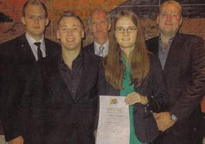 Sie haben sich fein gemacht. Die Leegmoorer 'DSB-Pokal-Mannsch'aft mit (v. I.) Eike Frerichs, Dennis Grünhoff, Johann Weber, Nicole Hoffmeier und Carsten Grünhoff.
